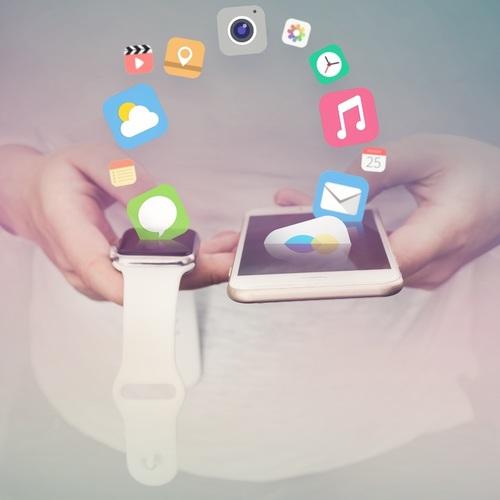 iphone-smartphone-mobile-hand-screen-apple-1058839-pxhere.com (1)